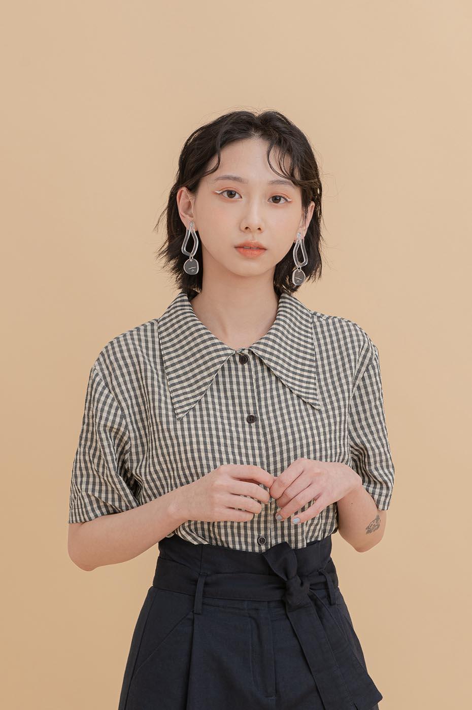 鮮豔彩格誇張領襯衫