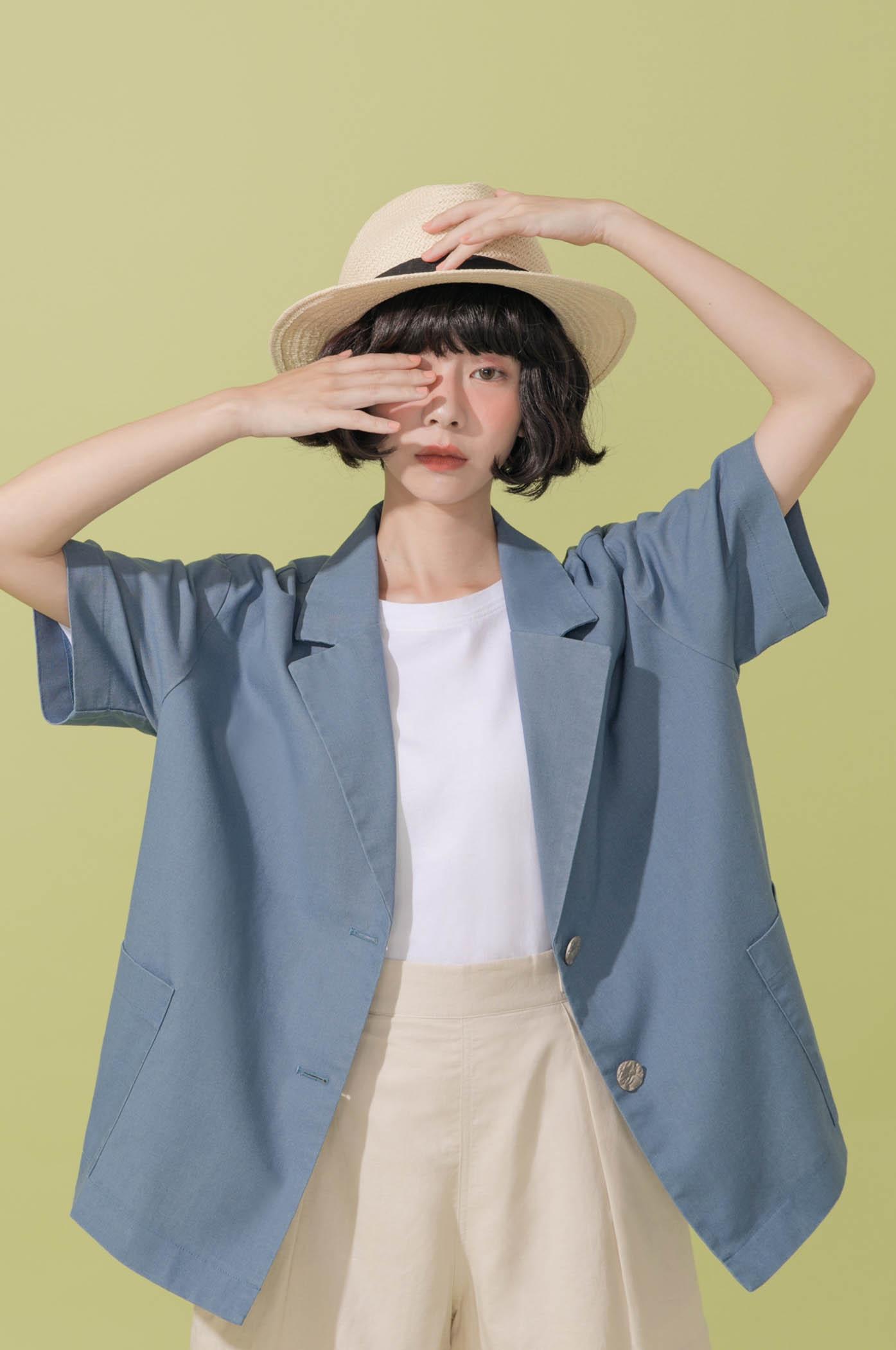 寬鬆復古西裝領罩衫