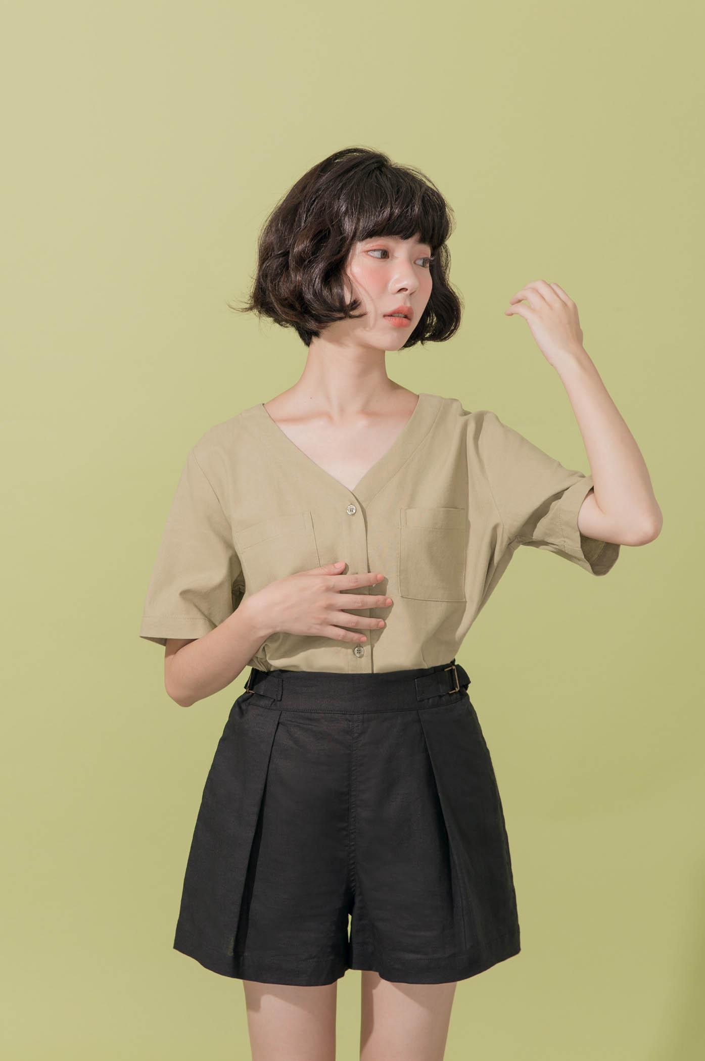 側腰細節棉麻短褲